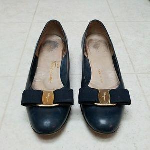 Salvatore FERRAGAMO Blue Bow Vintage Block Heels